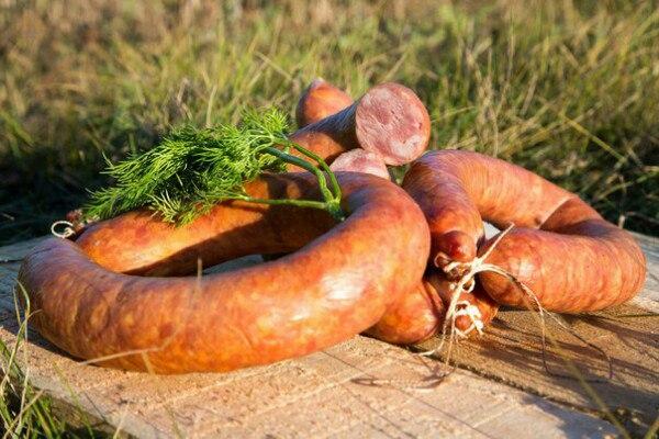 Домашняя колбаса от компании Три Крестьянина